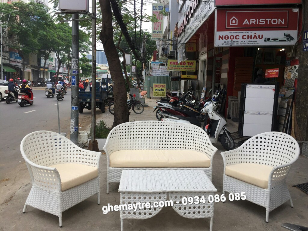Plastic table anh chair BV844