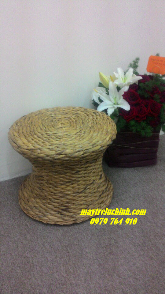 Water hyacinth stool KV55