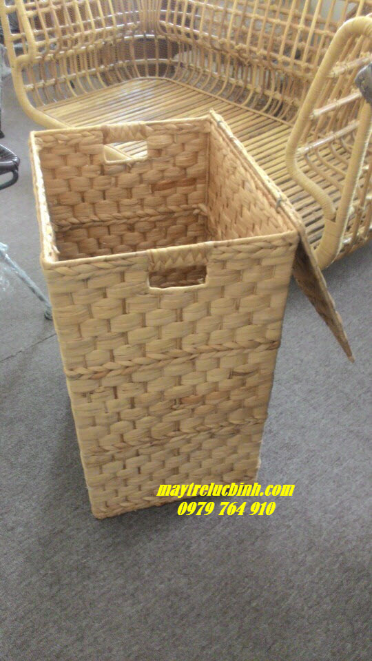 Water hyacinth basket KV79
